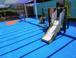 Χυτό δάπεδο ασφαλείας σε Παιδική Χαρά πολυτελούς ξενοδοχείου στην Κω