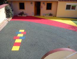 Χυτός τάπητας ασφαλείας σε ιδιωτικό παιδικό σταθμό στη Γλυφάδα